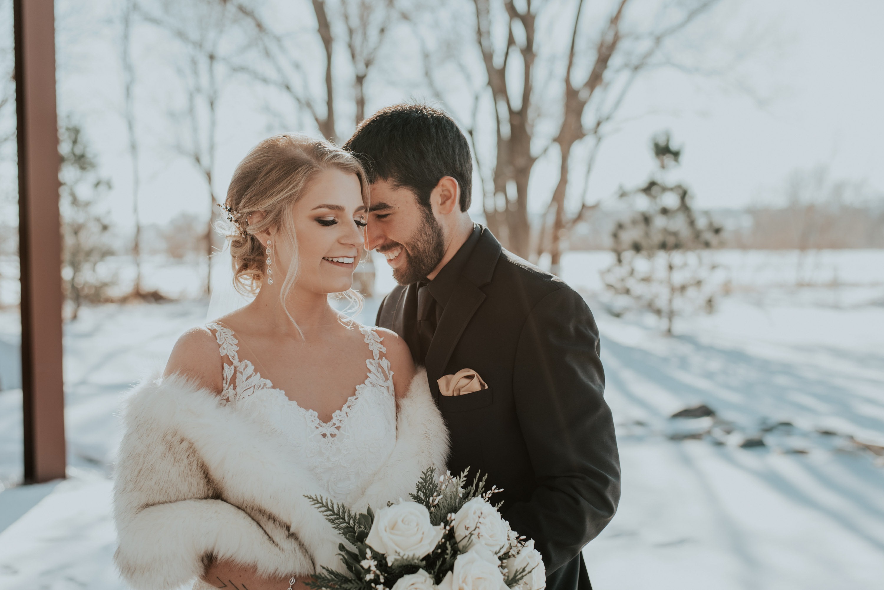 morgan zach omaha nebraska wedding midwest photographer winter snowy wedding