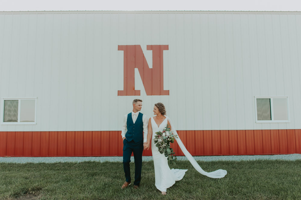 bride and groom portraits wedding in pickrell-lincoln nebraska