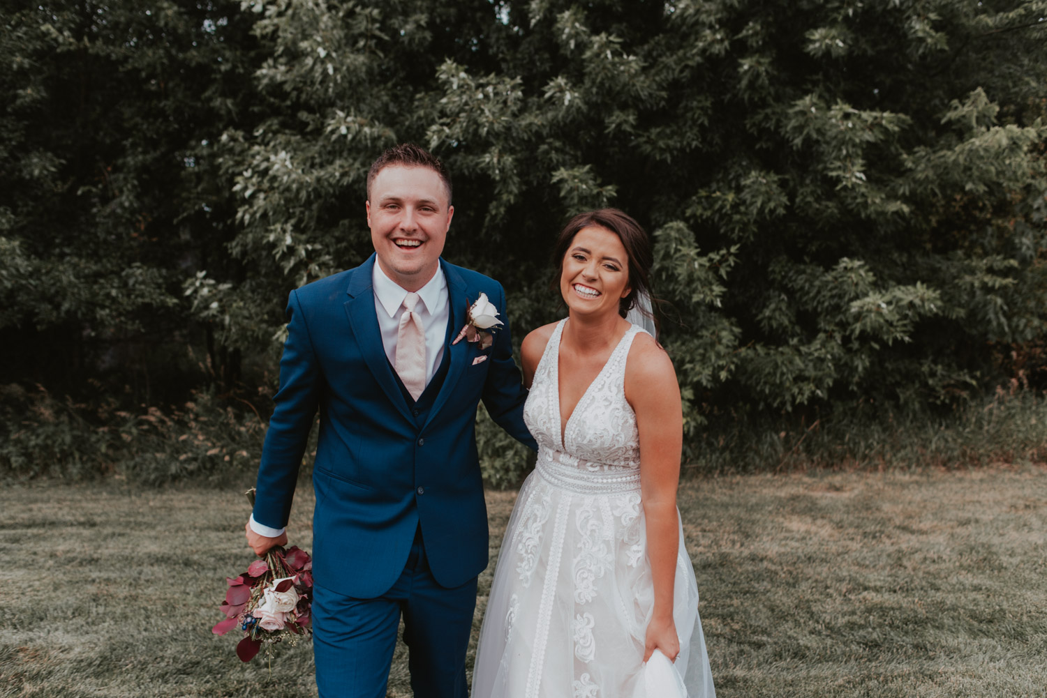 bride and groom portraits at ackerhurst barn in omaha, nebraska