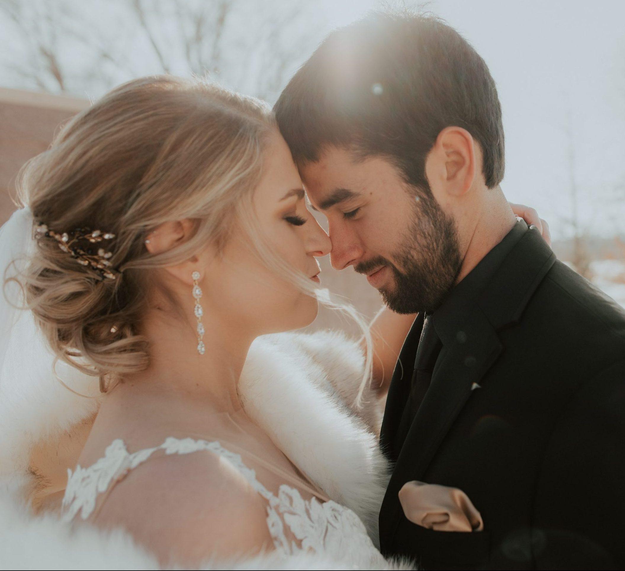 morgan zach omaha nebraska wedding midwest photographer winter snowy wedding