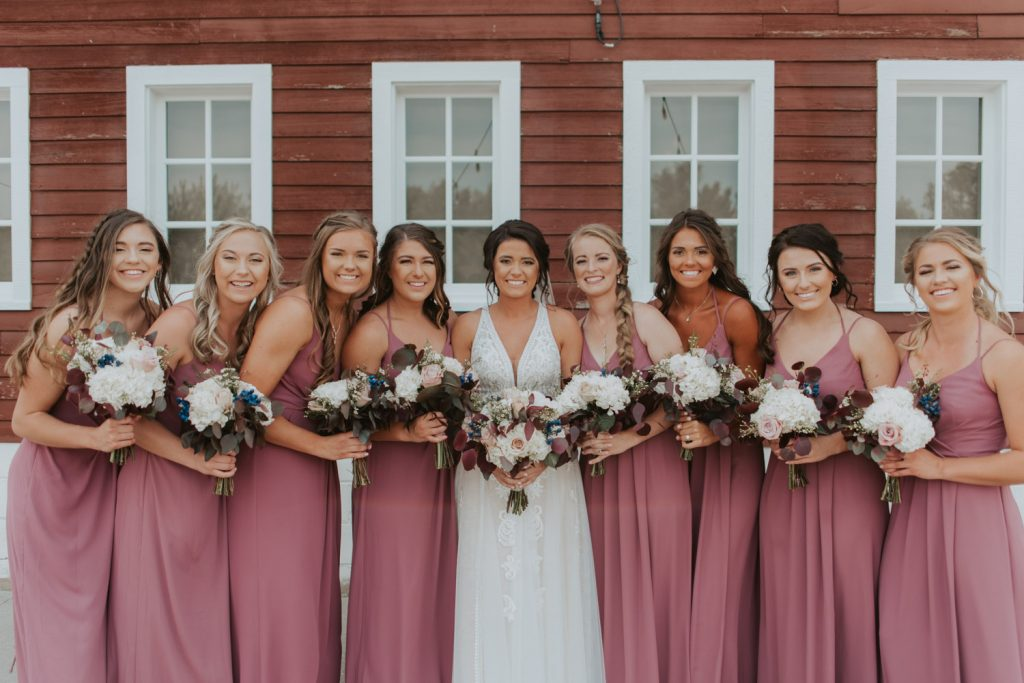 bridal party group photos from omaha nebraska barn at ackerhurst wedding