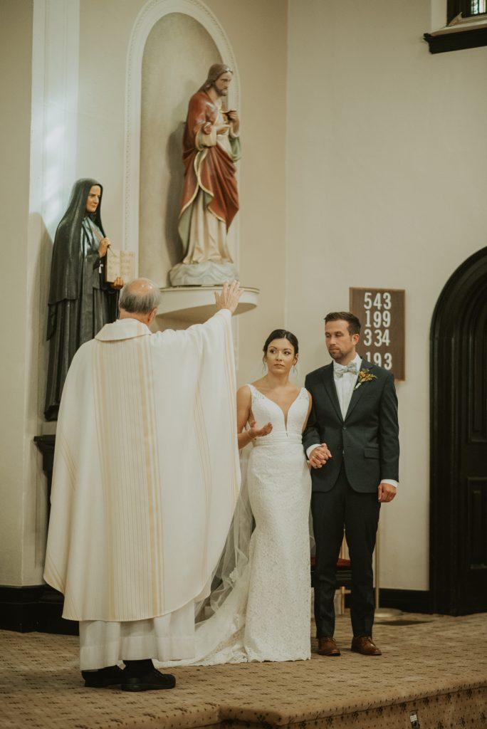 omaha wedding ceremony at st francis cabrini church