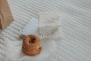 letter and donuts from groom to bride on wedding day in lincoln nebraska